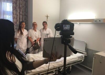 Krankenpflegerinnen beim Dreh des Imagefilms